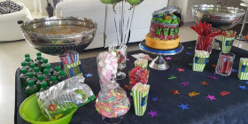 Candy Table 10